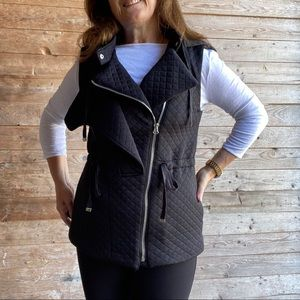 Kenneth Cole black quilted vest with hoodie